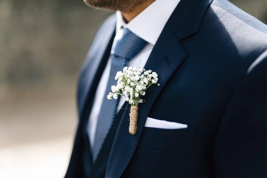 חליפה בעיצוב מיוחד