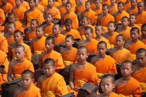 תאילנדים מתפללים